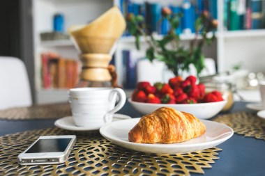 kaboompics.com_Croissants-and-strawberry-for-breakfast8